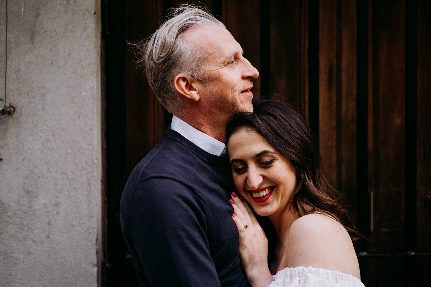 london engagement shoot st dunstans in the east
